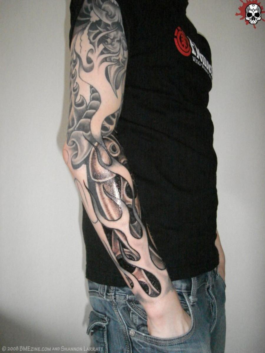 Татуировки фото черно белые рукава