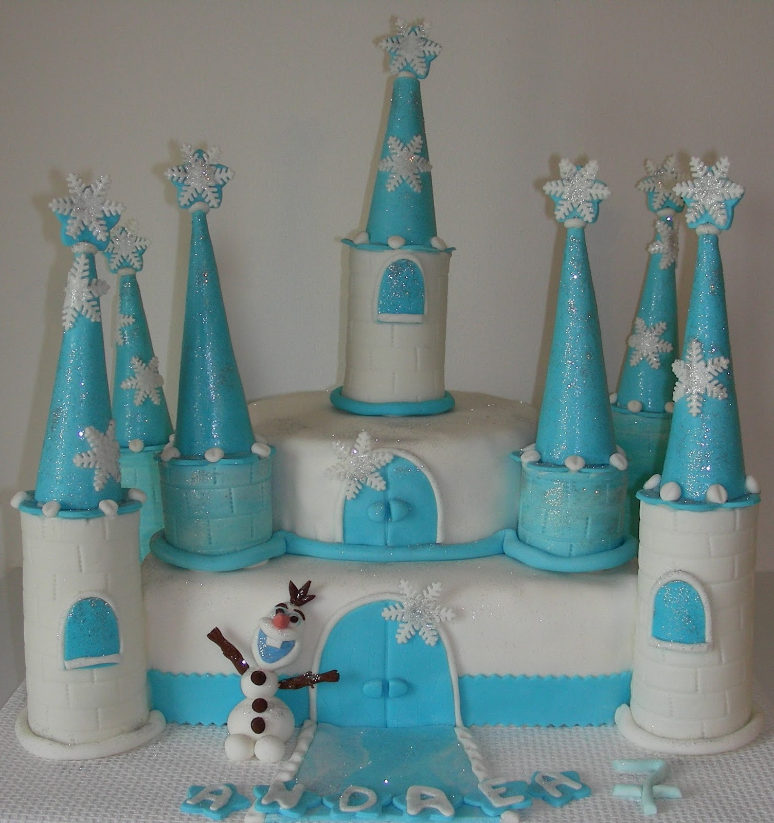 gateau chateau reine des neiges recette home baking for you blog photo. Black Bedroom Furniture Sets. Home Design Ideas
