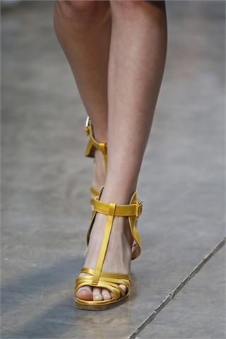 Resultado de imagen para zapato Amarre T