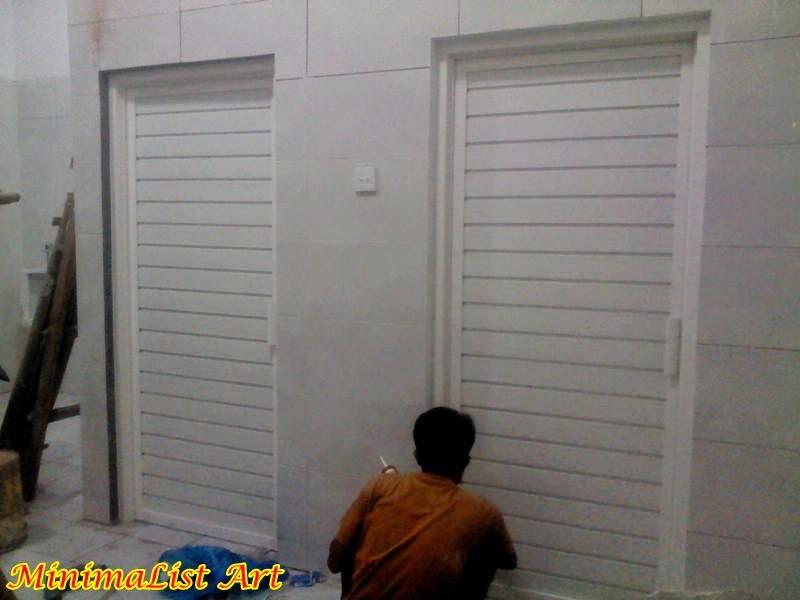 Pintu Aluminium Kamar Mandi Warna Putih