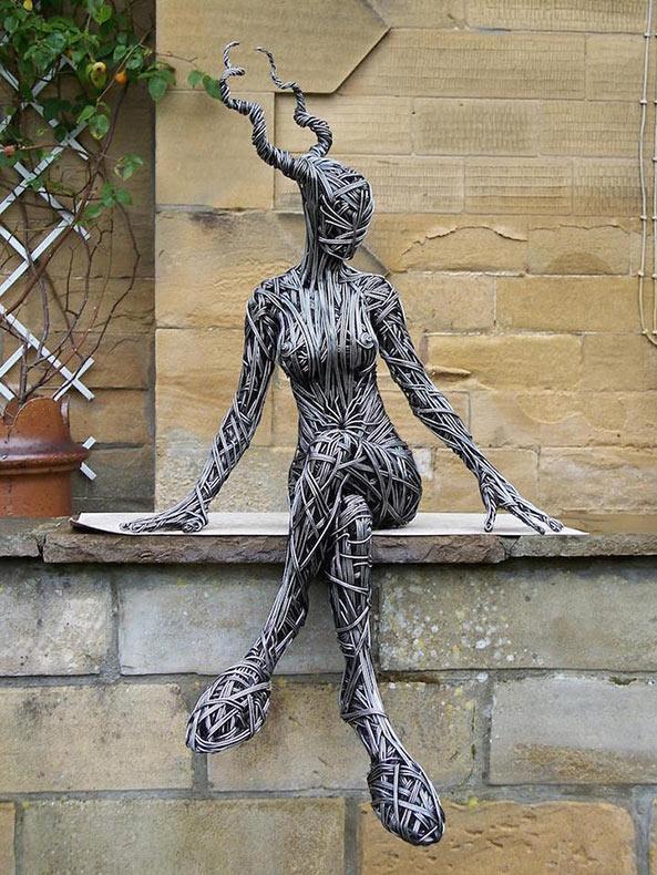 Impresionantes esculturas de alambre de Richard Stainthorp