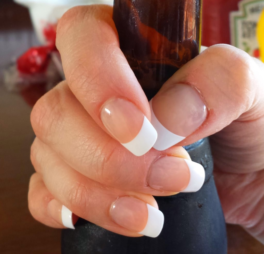 The Rhialist: Beauty Rhi-view: Kiss everlasting French Manicure