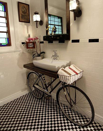 Lush fab glam blogazine unusual decor turning everyday for Quirky bathroom designs