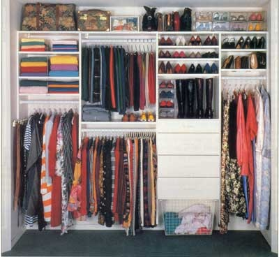 Dise os de closets o armarios para el dormitorio principal for Closets modernos para jovenes