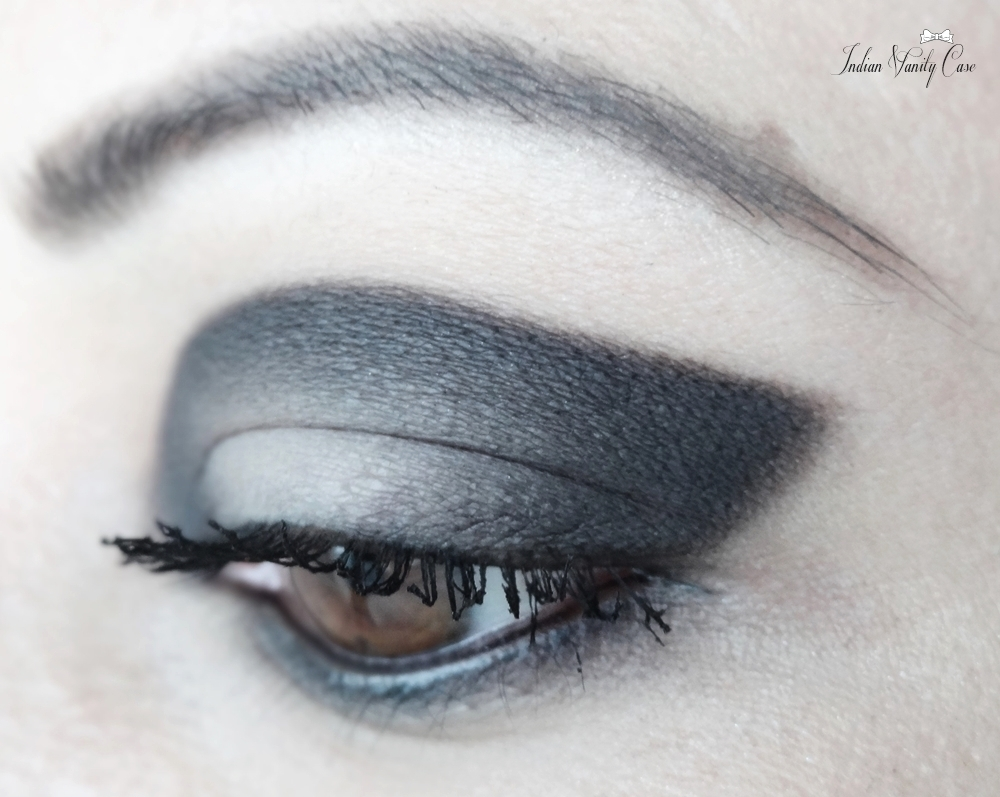Pencil shading technique eye shadow
