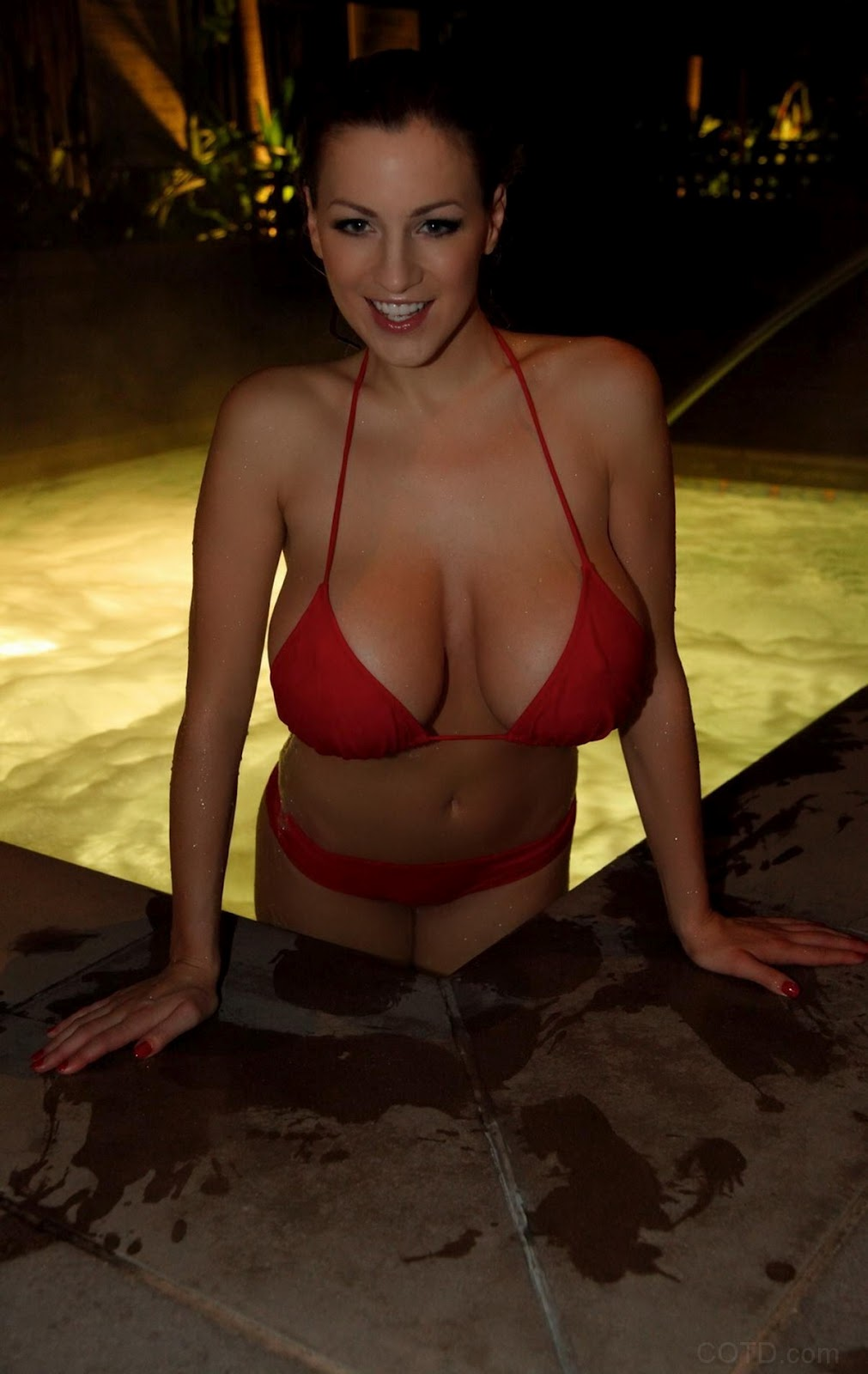 jordan carver boobs