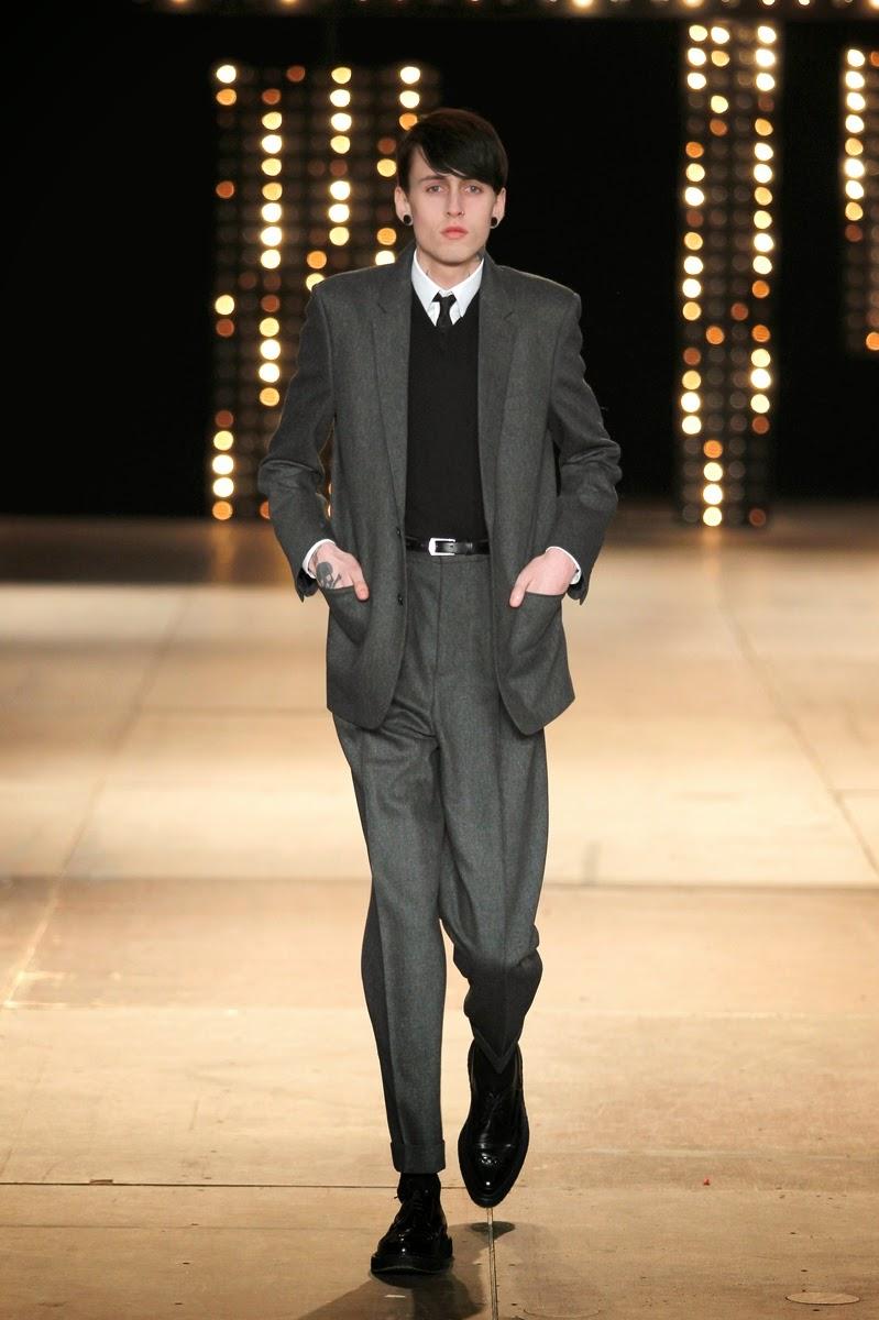 Saint-Laurent, Saint-Laurent-Paris, YSL, yves-Saint-Laurent, St-Laurent, yves-St-Laurent, Hedi-Slimane, collection-homme, automne-hiver, autumn-winter, fall-winter, du-dessin-aux-podiums, daft-punk, magazine-mode-homme, fashion-week-paris, paris-fashion-week, fashion-week, menswear, womenswear, mode-homme, mode-masculine, site-mode-homme, pret-a-porter-homme, new-look, blog-mode, karl-lagerfeld, fashion-blogs, costume-homme, mens-fashion, rive-gauche, fashion-runway, fashion-shows, pret-a-porter-feminin, hot-fashion, chaussures-mode