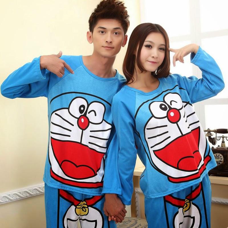 Contoh Kaos Couple Lengan Panjang Motif Doraemon