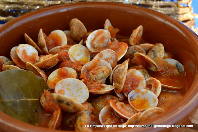 http://laempanalightdebego.blogspot.com.es/2015/11/chirlas-con-tomate-receta-de-mi-madre.html