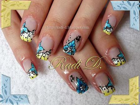 Пролетна декорация на нокти с перденце и цвете в пастелни тонове