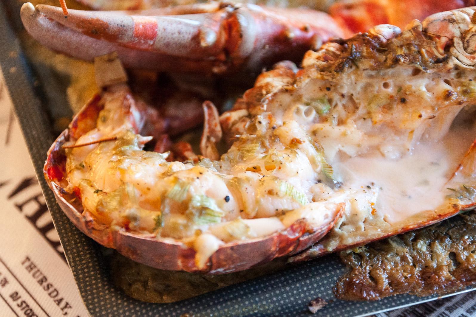 Agencer et mijoter homard grill la camaretoise - Recette homard grille ...