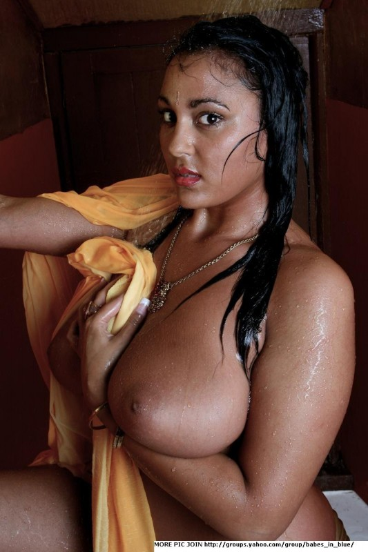 taking shower aunty Hot