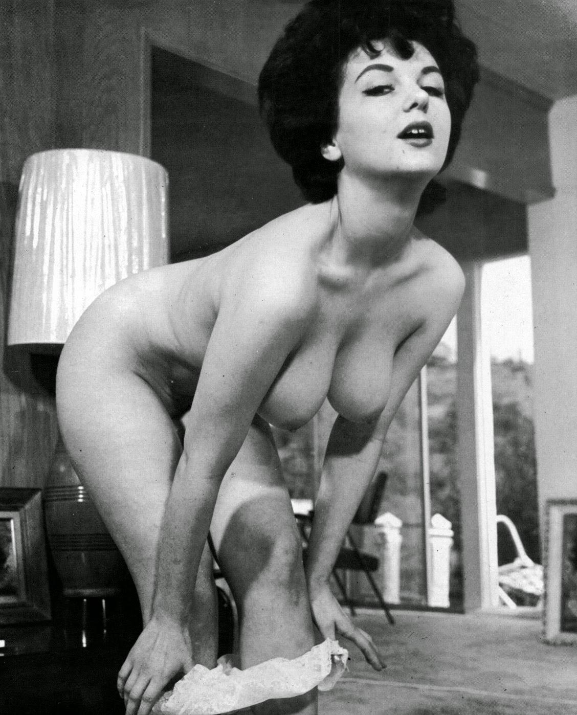 Ретро голые женщина 19 фотография