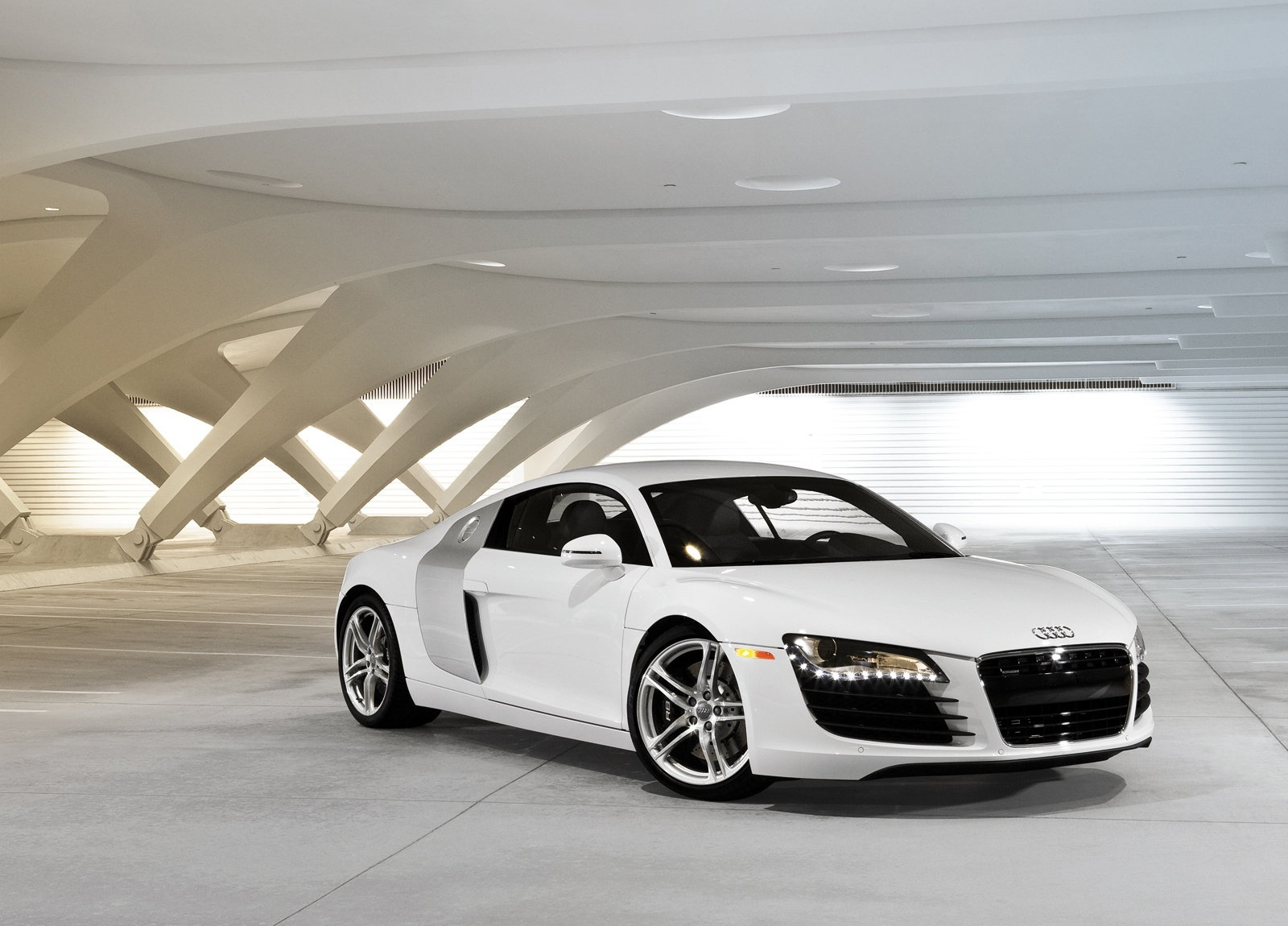 http://2.bp.blogspot.com/-NctdSIzNx70/Tz0ez3zAieI/AAAAAAAAEhk/L7aYBe9CxWI/s1600/Audi-2008_R8_wallpaper-1600x1200_0003.jpg