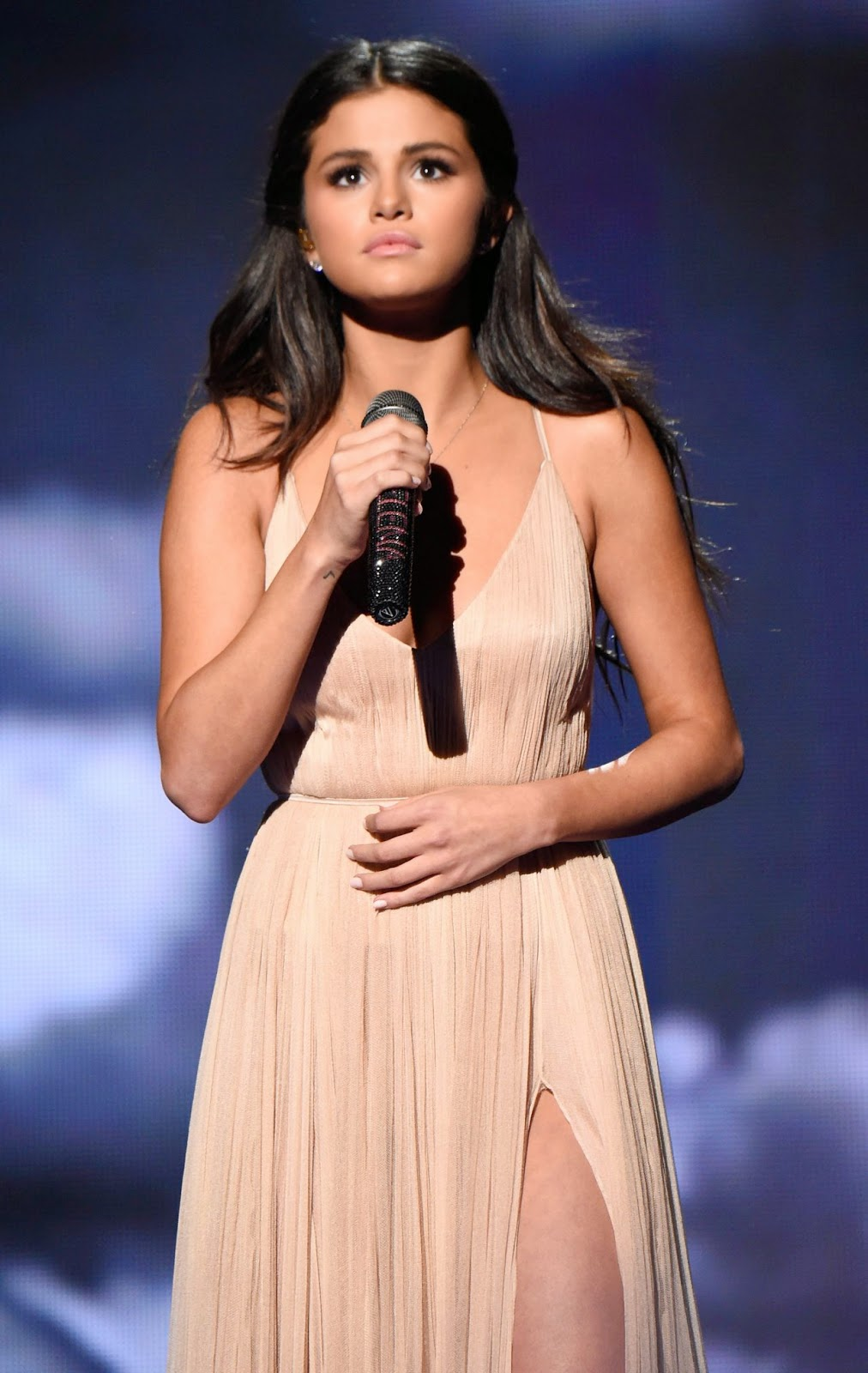 selena gomez looks beautiful in a delicate giorgio armani