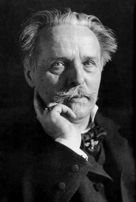 a brief biography of adolf hitler Albert speer, adolf hitler & arno breker  arno breker - sculptor to the fÜhrer  adolf hitler - a brief biography.