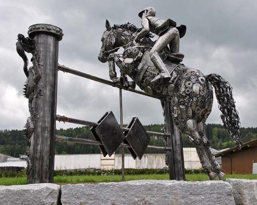 2a-Horse-show-jumper-1to1-scale-Giganten-Aus-Stahl