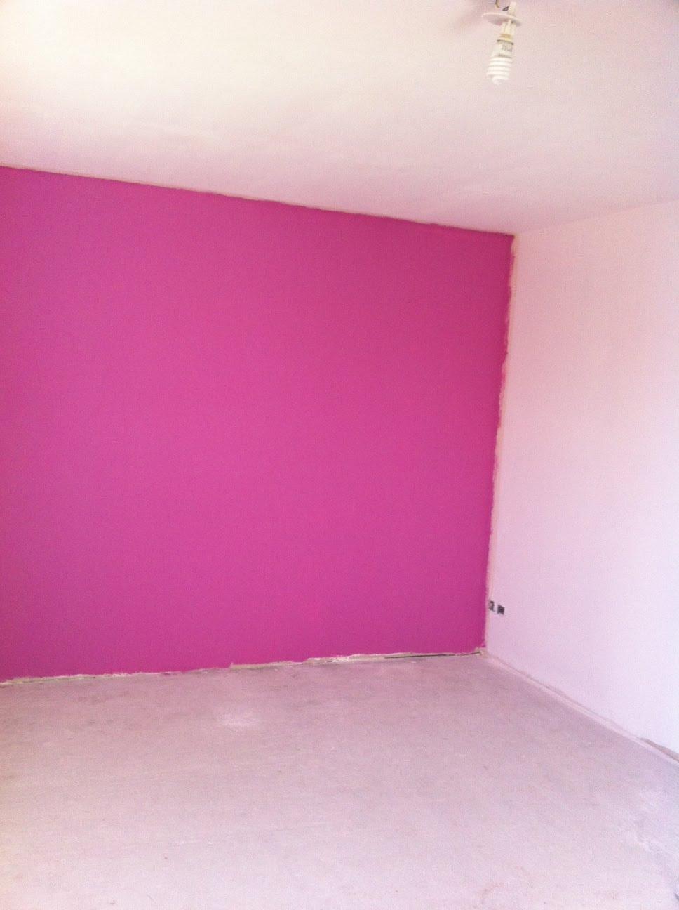 Chambre mur rose fushia for Chambre fille rose fushia