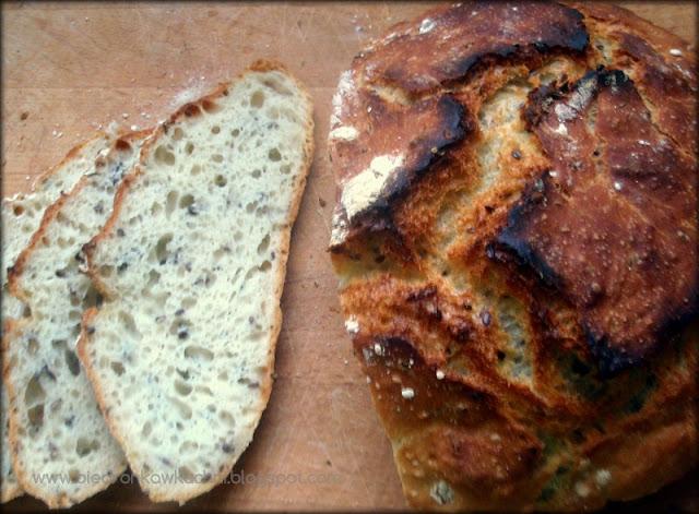 chleb pszenny, chleb z garnka, chleb z naczynia żaroodpornego