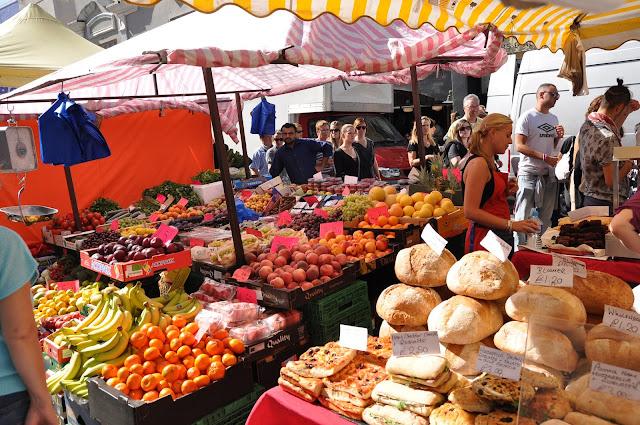 Portobello+Market+Notting+Hill+fruit+stalls