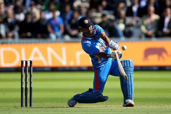Dhoni batting in England v India 4th NatwestMs Dhoni Batting