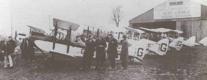 Pilot Malcolm Lawry stops at Woodley on Tuesday the 26th September 1933.