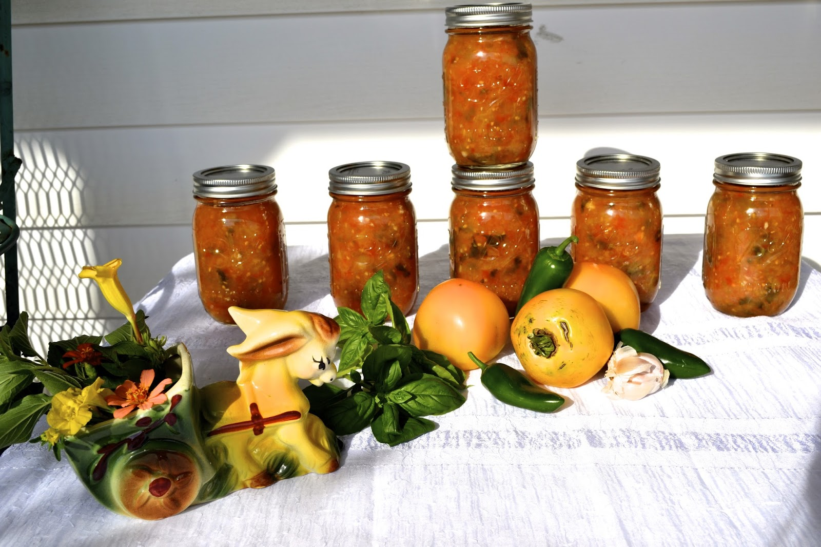 Things and Stuff: Canning Roasted Yellow Tomato Salsa