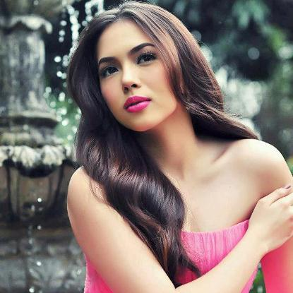 The Debutante, Julia Montes