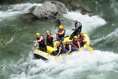 Rafting in Noguera Pallaresa river near Sort