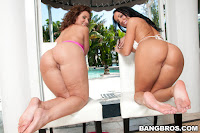 Richelle Ryan and Bella get Stuffed