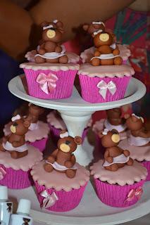 doce cupcake 3d decorado ursinha rosa