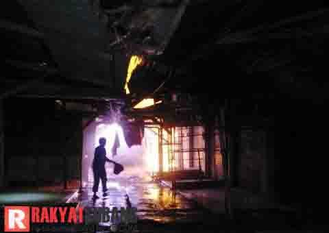 Kebakaran di Pasar Sukamandi Subang Hanguskan 130 Kios