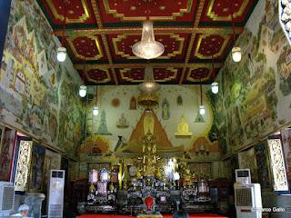 WAT INTHARAWIHAN. EL BUDA GIGANTE DE BANGKOK, TAILANDIA.