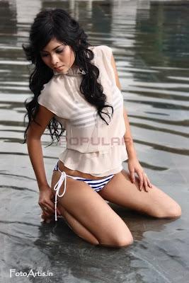Putri Anggraini telanjang bulat