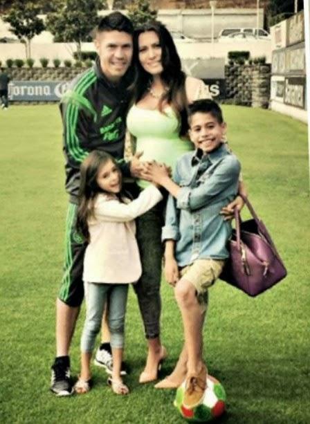 Esposa e hijos del Futbolista mexicano Oribe Peralta