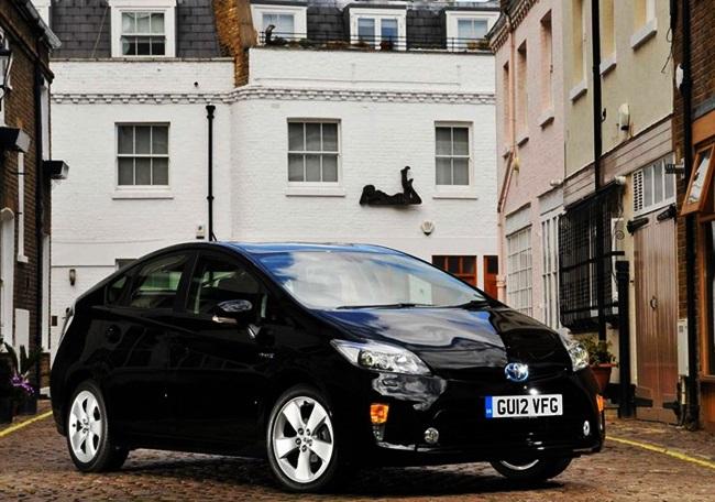 Toyota Prius 1.8 VVT-i Hatchback Full Review