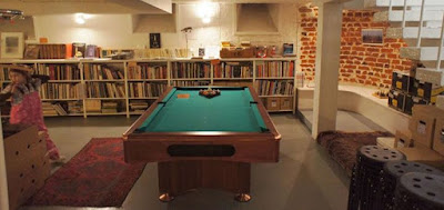 arkadia bookshop helsinki pool table
