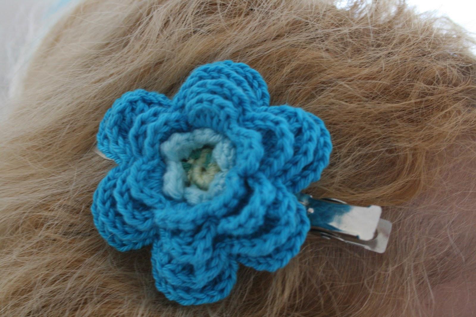 Crochet Hair Clips : Happy Woman: Crocheted hair clip