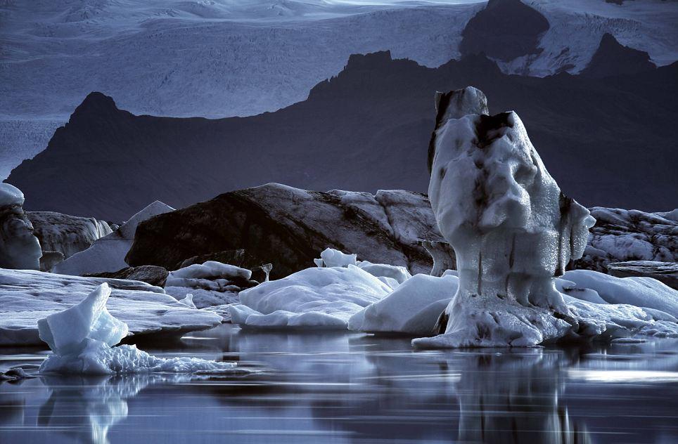 Keindahan Kutub Utara bumi yang sedang mencair