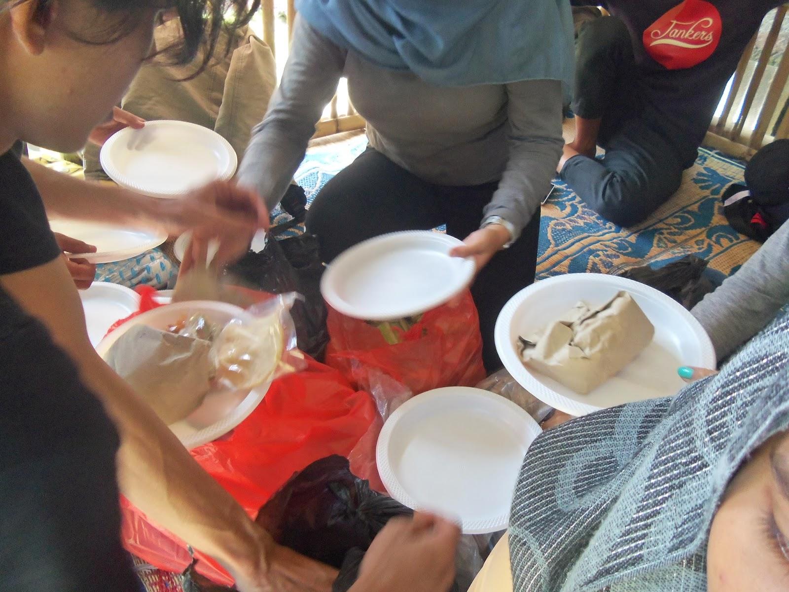 makan makan SMK MUHAMMADIYAH 3 TANGSEL