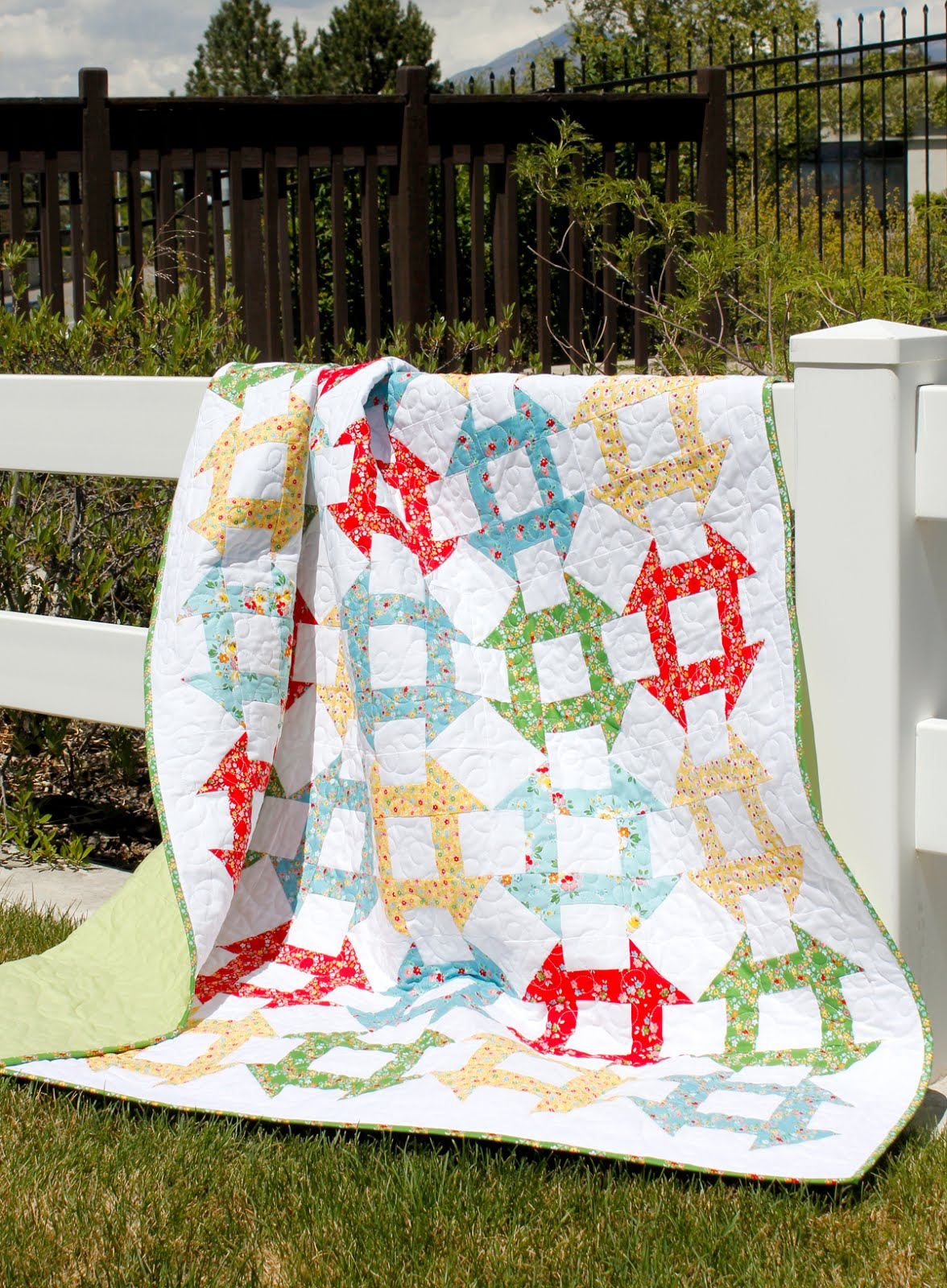 A Bright Corner Second Look Sunday Churn Dash Free Quilt Pattern