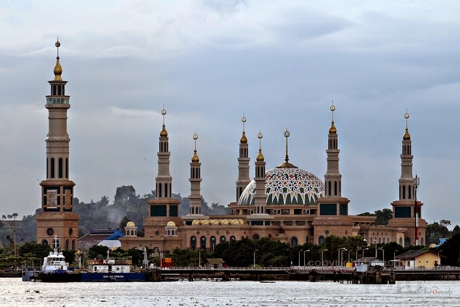 Masjid Islamic Center Samarinda, Terbesar ke-2 di Asia dengan 7 Menara
