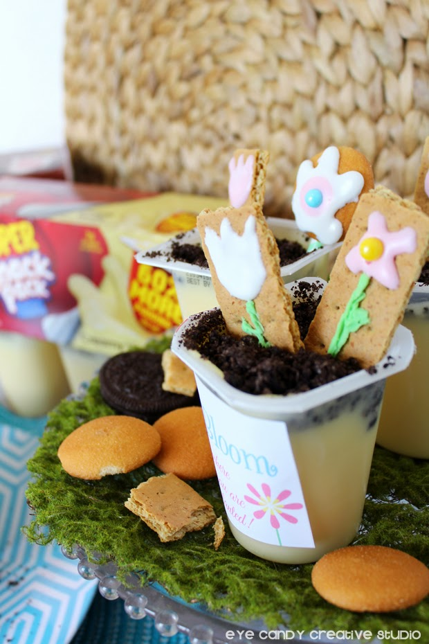 snackpack, pudding cups, vanilla pudding, flower art, Oreos, Nilla wafers