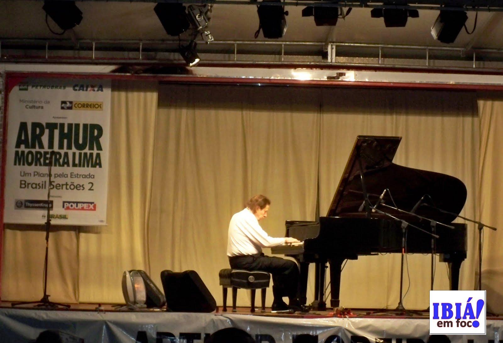 Arthur Moreira Lima e seu afiadíssimo piano. Noite pra ficar na #120CBF 1600x1090 Banheiro Adaptado Arthur Lima