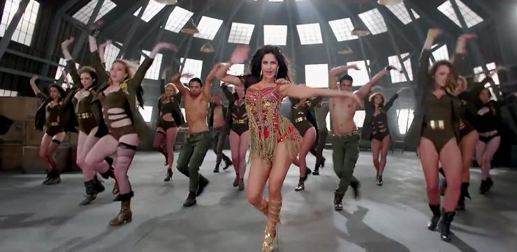 katrina kaif in dhoom 3 bikini song scenes women in