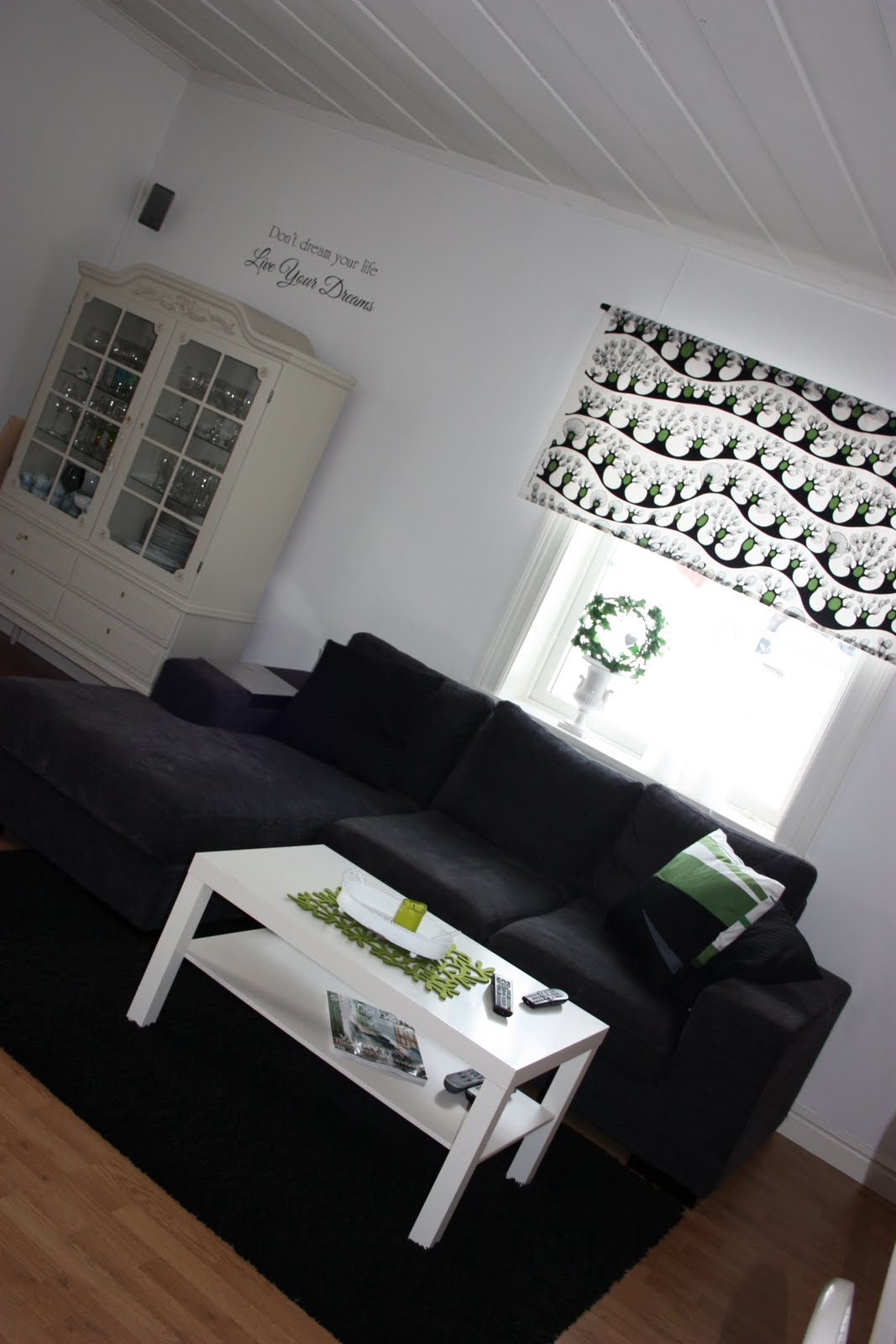 Tolis inredning: gardiner från ikea