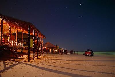 Fotos de Canoa Quebrada a noite
