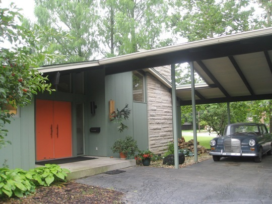 Mid century modern ranch exterior on pinterest modern for Modern exterior house entrance