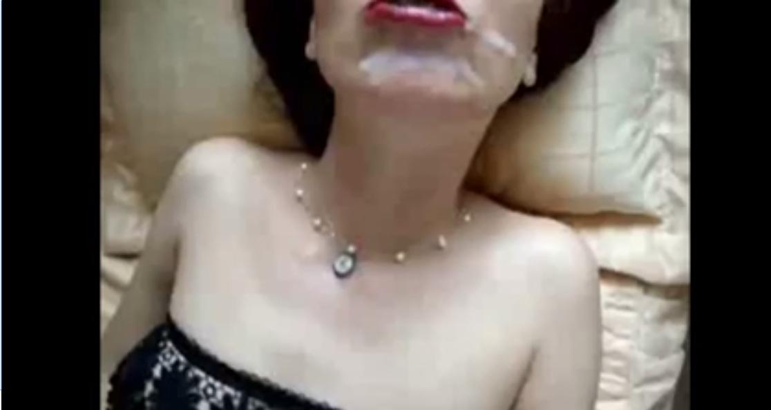 Komşusunu Sikiyor 18  Türk Porno Adult Türbanlı Tecavüz