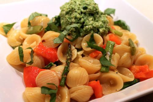 Pasta Primavera with Asparagus Pesto
